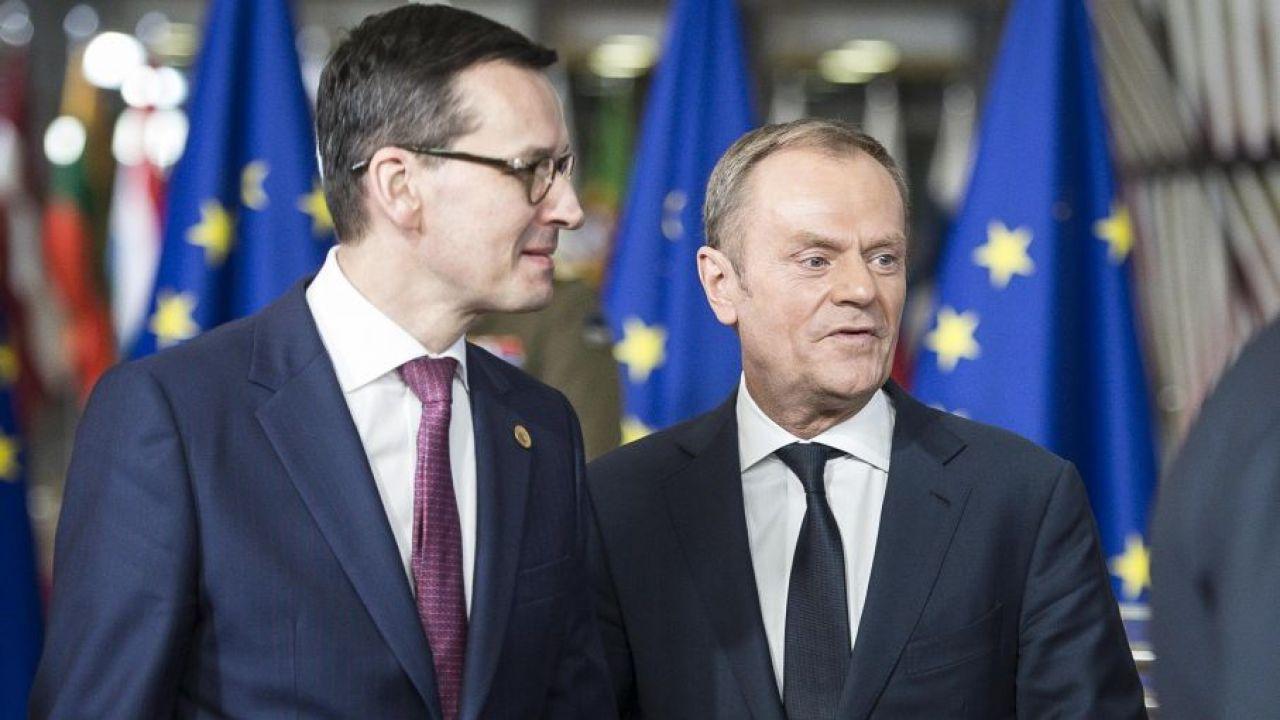 Mateusz Morawiecki, Donald Tusk (fot. arch. PAP/Wiktor Dąbkowski)