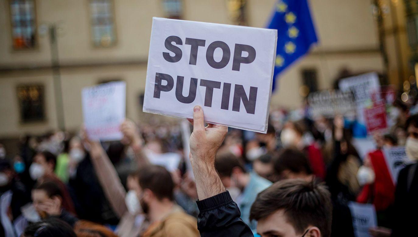Większość badanych Czechów postrzega Rosję jako zagrożenie dla bezpieczeństwa (fot. PAP/EPA/MARTIN DIVISEK)