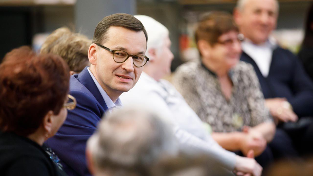 """""""W pierwszej kolejności myślimy o tych, którzy są najbardziej potrzebujący"""" – deklaruje premier w liście (fot. Krystian Maj/KPRM)"""