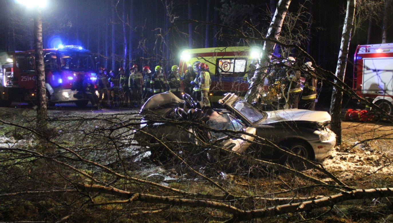 Kierowca poniósł śmierć na miejscu (fot. Twoje Info)