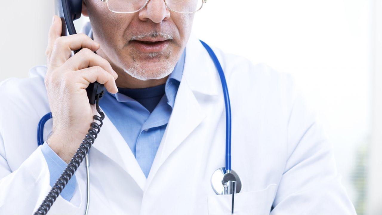 U dziecka w szpitalu zdiagnozowano sepsę piorunującą (fot. Shutterstock/Stokkete)