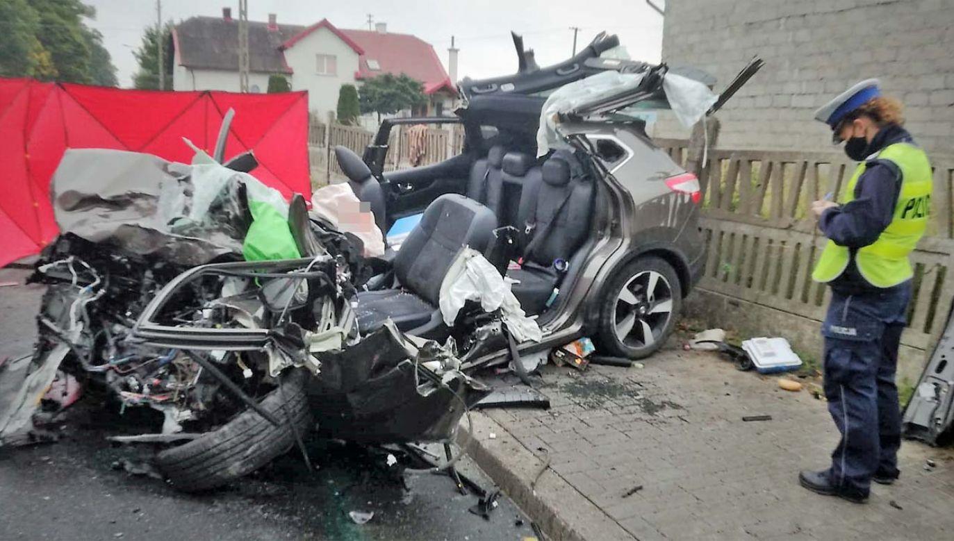 Policja ustala przyczyny wypadku (fot. KPP Bytów)