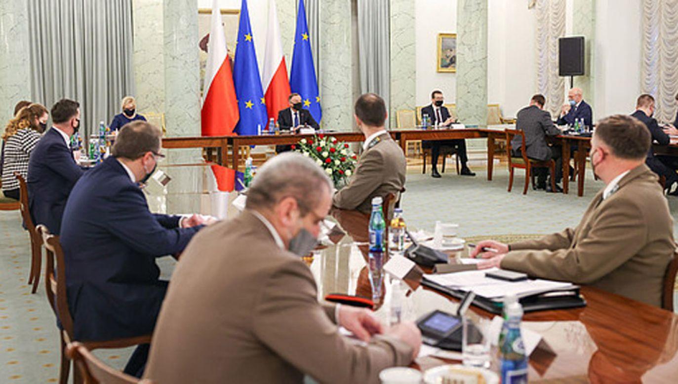 Prezydent z premierem rozmawiali ws. nowego projektu noweli ustawy o działach (fot. KPRP/Jakub Szymczuk)