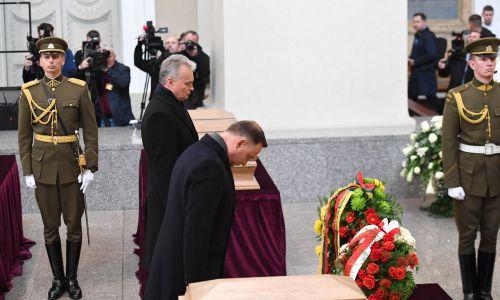 Prezydenci Litwy i Polski  Gitanas Nauseda i  Andrzej Duda przed mszą w Katedrze Wileńskiej. Fot. PAP/Piotr Nowak