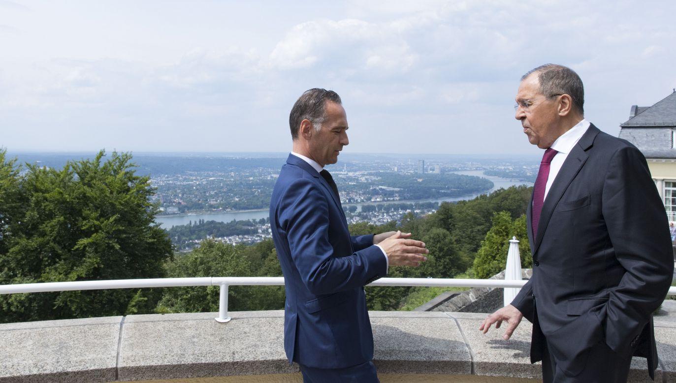 Szefowie dyplomacji Niemiec i Rosji Heiko Maas i Siergiej Ławrow podczas obrad Dialogu Petersburskiego (fot. Ute Grabowsky/Photothek via Getty Images)