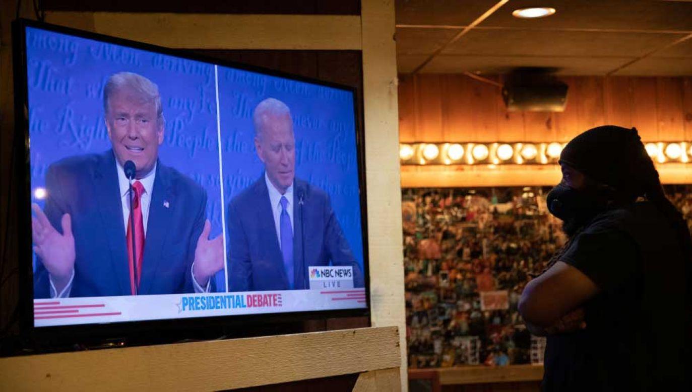 Internauci zdecydowanie opowiadają się za Donaldem Trumpem (fot. Emily Elconin/Bloomberg via Getty Images)