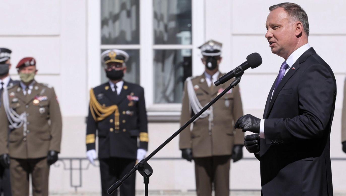 Duda zwrócił się także do nominowanych generałów (fot. PAP/Paweł Supernak)