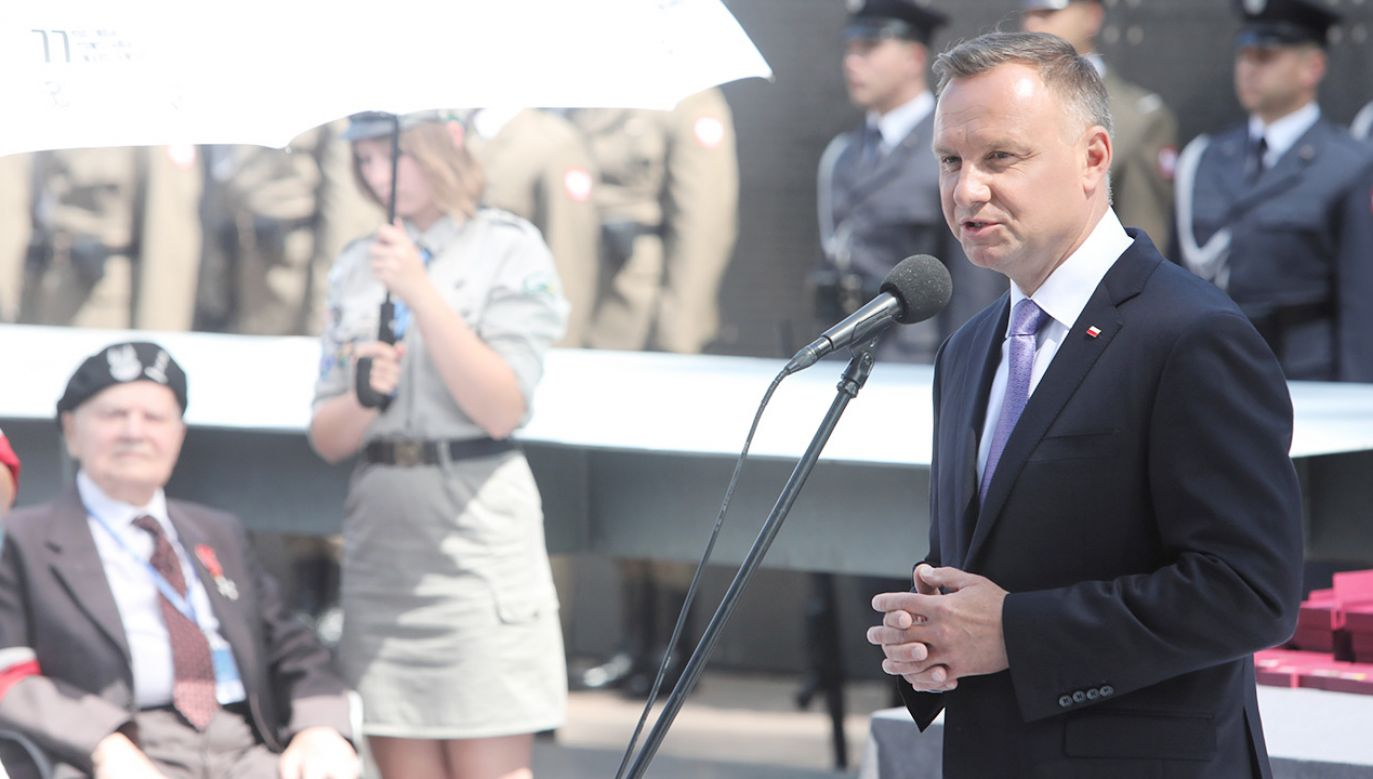 Prezydent Andrzej Duda podczas przemówienia w Parku Wolności Muzeum Powstania Warszawskiego (fot. PAP/Wojciech Olkuśnik)