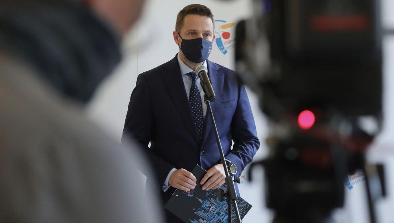 """Zdaniem prezydenta Warszawy to Jarosław Kaczyński """"próbuje stworzyć takie wrażenie, że atakowane są kościoły"""" (fot. PAP/Paweł Supernak)"""