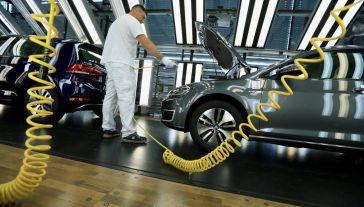 Liczba osób poszukujących pracy wzrosła o 238,0 tys. (fot. Krisztian Bocsi/Bloomberg via Getty Images)