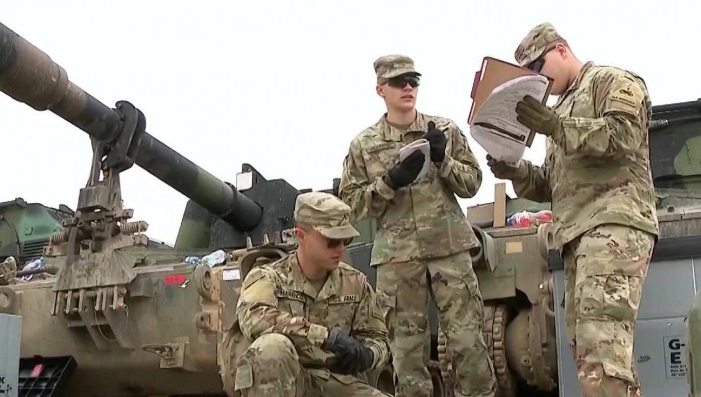 Media podały, że Donald Trump polecił Pentagonowi do września wycofać z Niemiec 9,5 tys. amerykańskich żołnierzy. (fot. tvp.info)