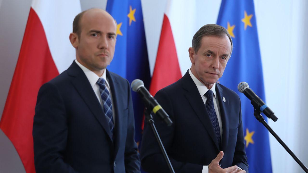 Przewodniczący PO Borys Budka i marszałek Senatu Tomasz Grodzki (fot. PAP/Tomasz Gzell)