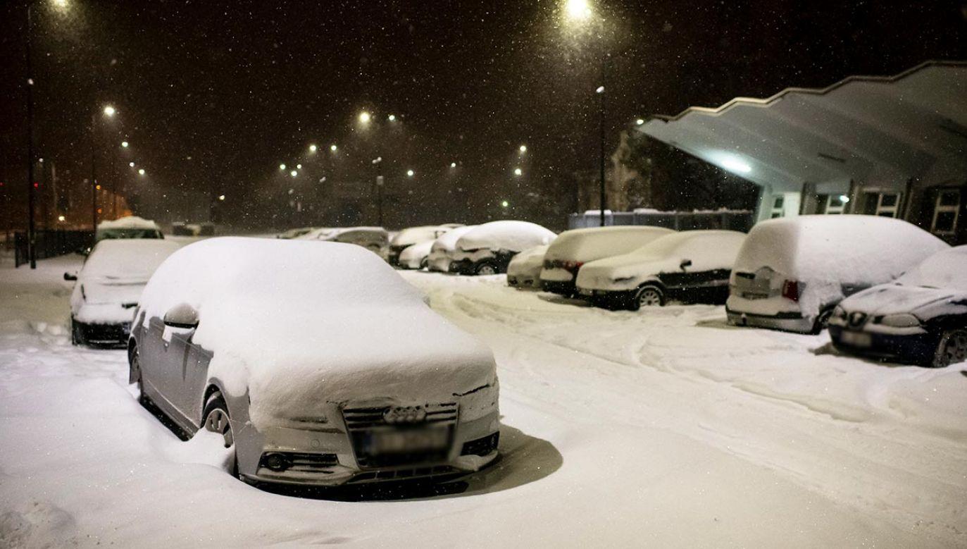 IMGW ostrzega, że na drogach będzie ślisko (fot. Forum/Michal Kosc)