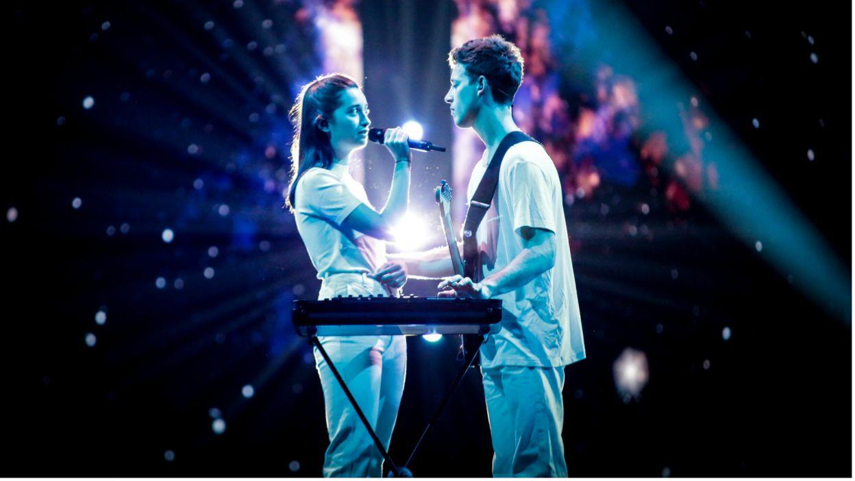 W prostocie siła. Melancholijny utwór Słowaków Zali Kralj & Gašpera Šantla w minimalistycznej oprawie spodobał się Europie i ponownie usłyszymy go w finale konkursu (fot. Andres Putting/EBU)