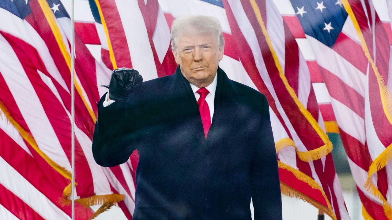 Kongres uznał Bidena za zwycięzcę wyborów prezydenckich (fot. PAP/EPA/MICHAEL REYNOLDS)