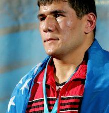Artur Beterbiev (fot. Getty Images)