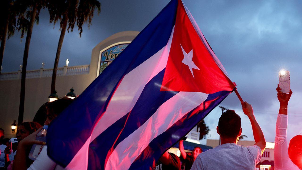 Masowe protesty na Kubie wybuchły 11 lipca w ponad 60 miastach (fot.  Anna Moneymaker/Getty Images)