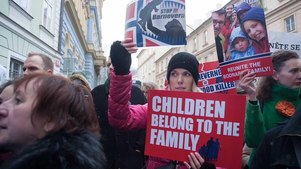 Uczestnicy demonstracji przeciwko polityce norweskiego rządu (fot. arch. PAP/Deml Ondrej)