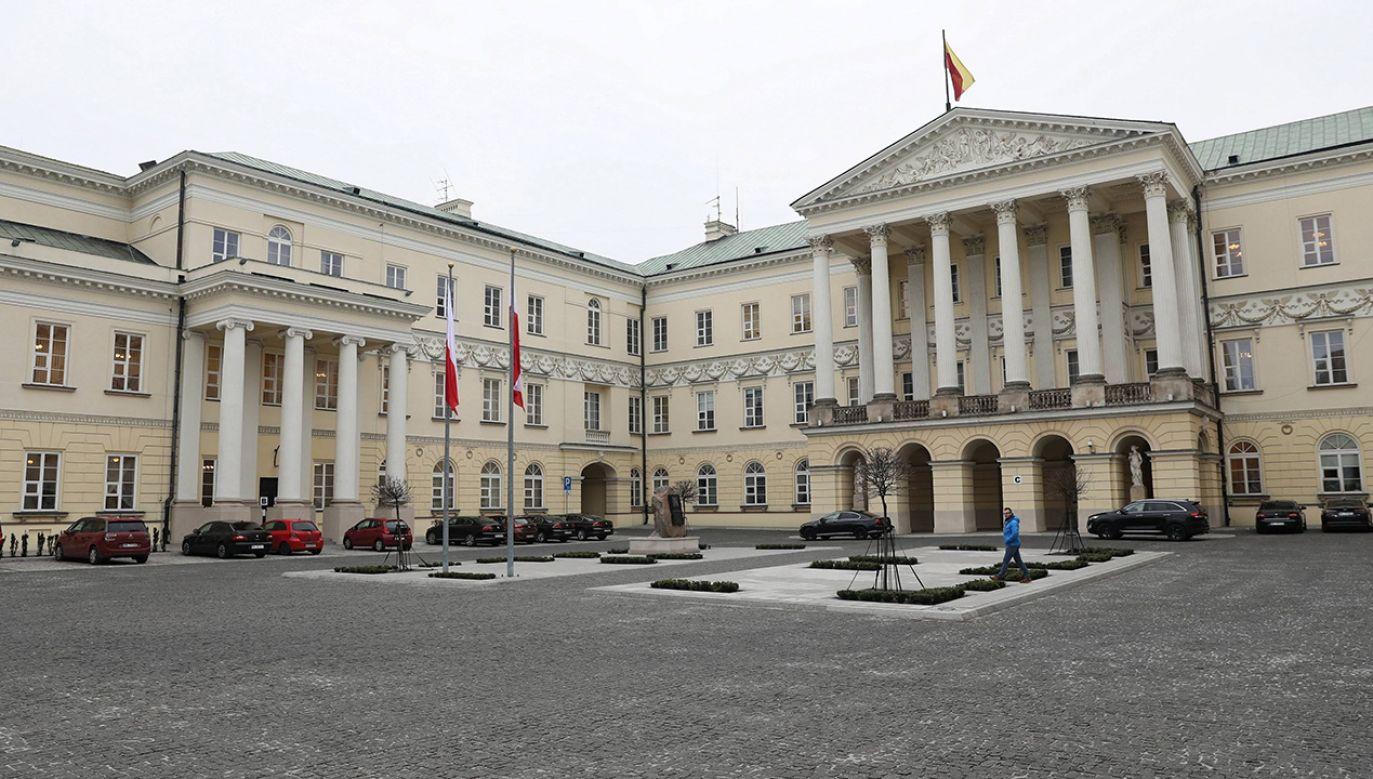 Pan Jakub Pilarek twierdzi, że z powodu pracy urzędników warszawskich musiał wziąć dzień wolny (fot. PAP/Tomasz Gzell)
