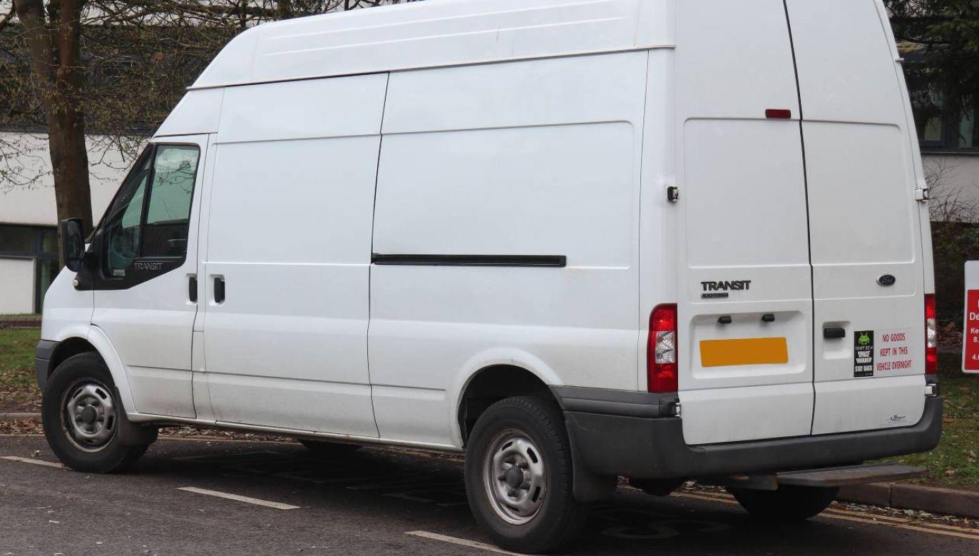 Kierowca białego vana to jeden z najsilniejszych stereotypów w Wielkiej Brytanii (fot. Wiki 4.0/Vauxford)