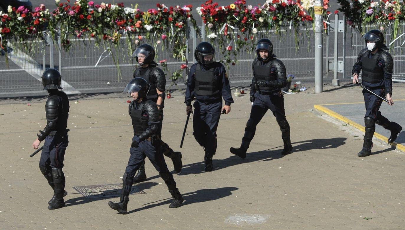 Jeden z dziennikarzy został aresztowany na 10 dni (fot. PAP/EPA/YAUHEN YERCHAK)