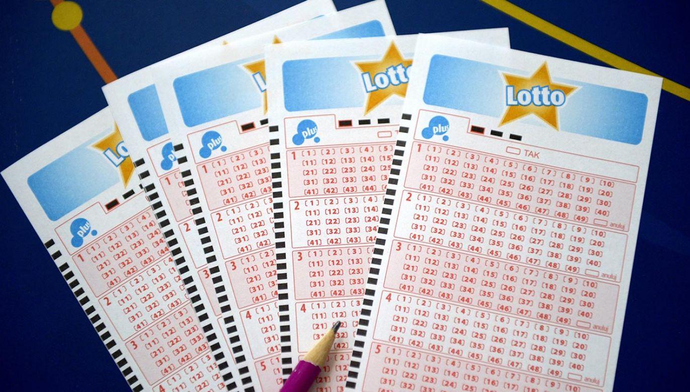 Wyniki losowania Lotto w sobotę, 25 września (fot. PAP/Darek Delmanowicz)