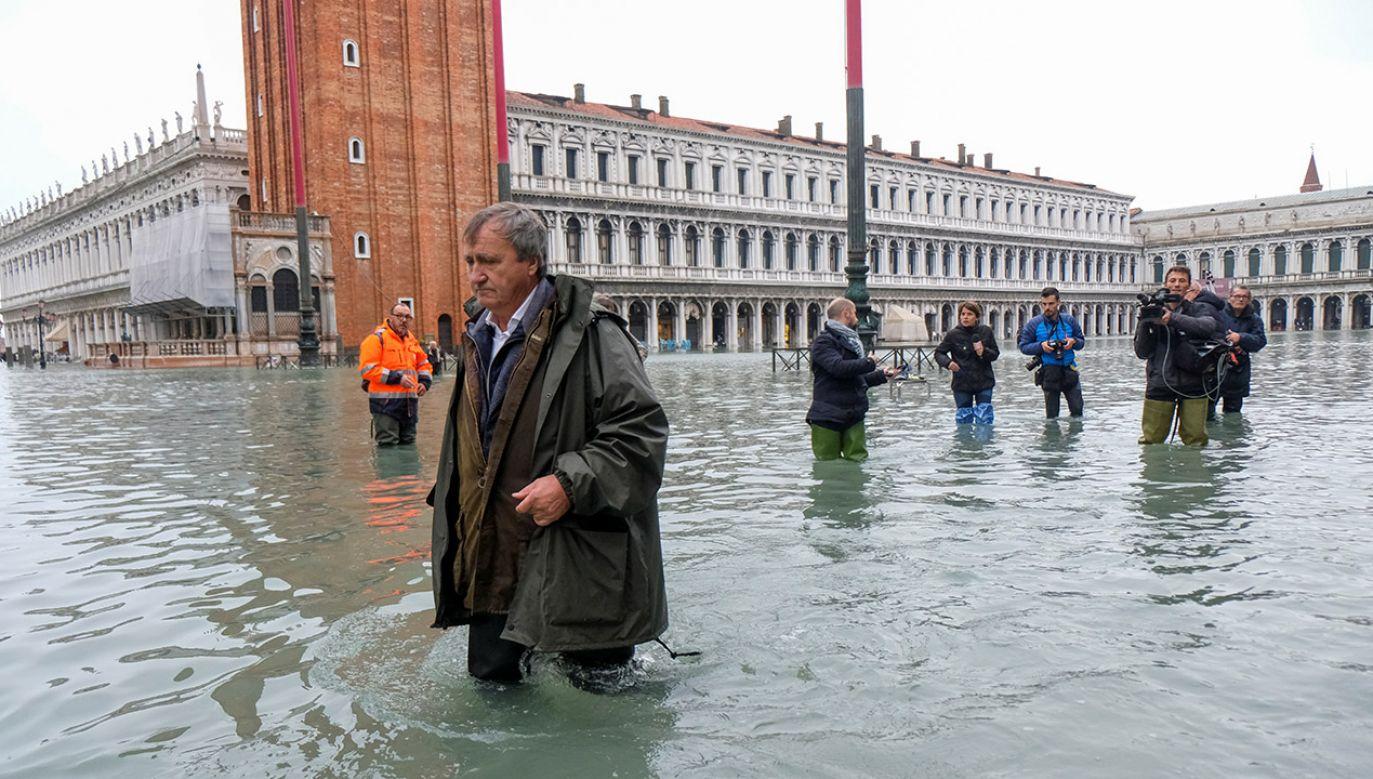 """""""Stoimy w obliczu apokaliptycznego, totalnego zniszczenia"""" – ocenia przedstawiciel władz regionu (fot. REUTERS/Manuel Silvestri)"""
