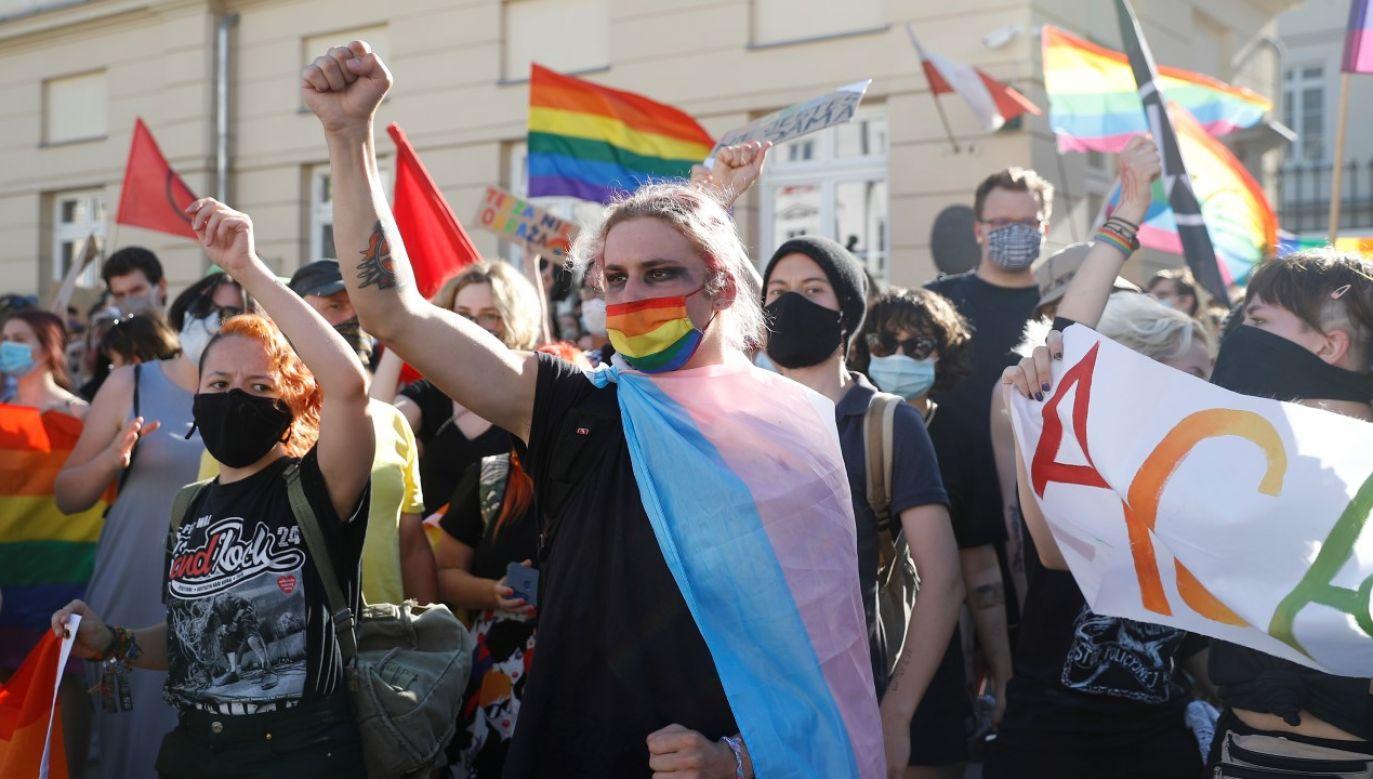 Wiceszef MSZ odpowiedział na list otwarty ws. praw osób LGBT wystosowany przez ambasadorów kilkudziesięciu krajów w Polsce (fot. REUTERS/Kacper Pempel)