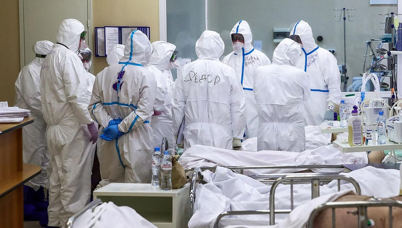 Rosyjskie służby sanitarne podały, że w całym kraju ogólna liczba chorych wzrosła do 387 tysięcy (fot. Valery Sharifulin\TASS via Getty Images)