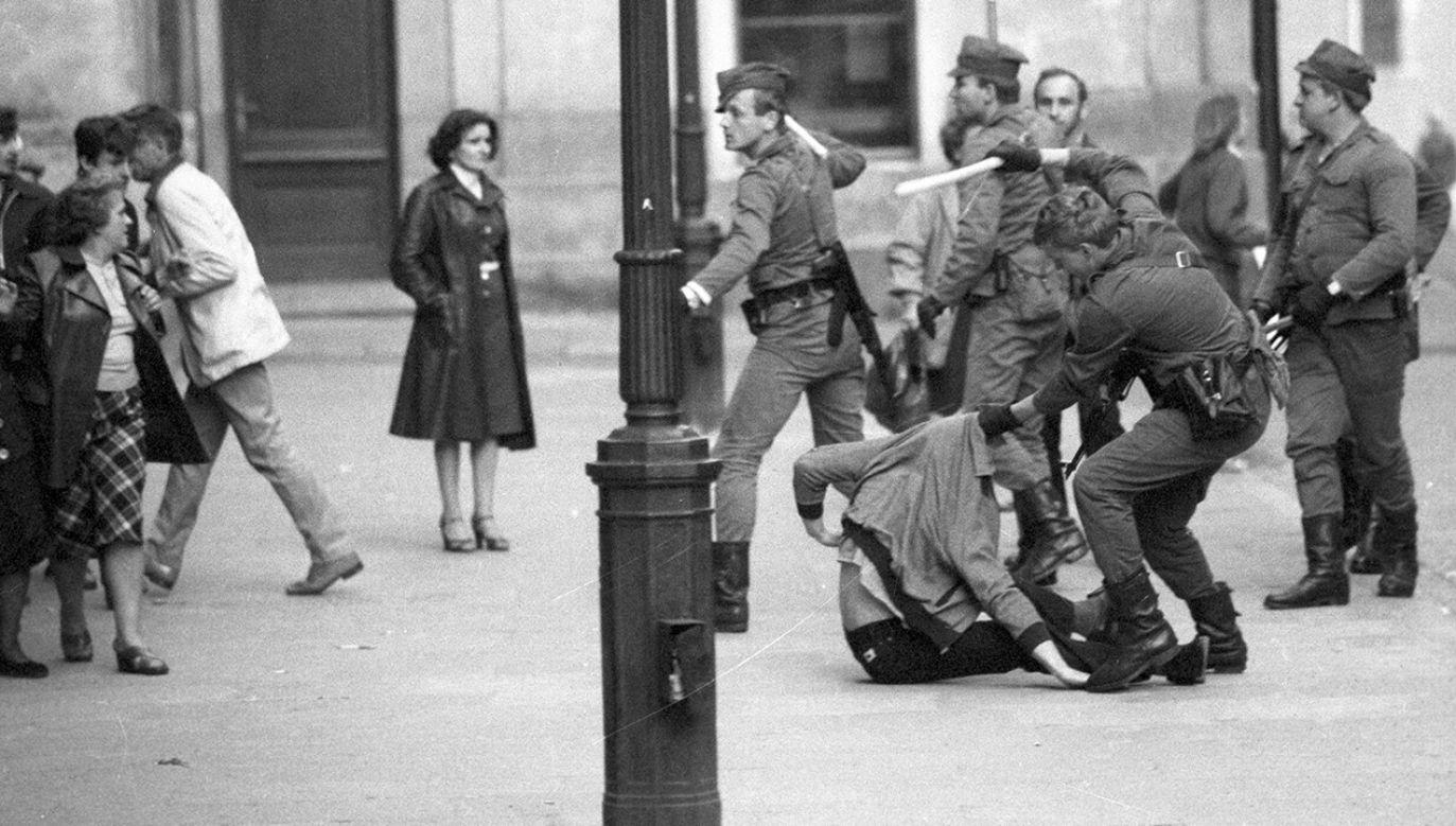Stan wojenny w opinii historyka był modelowym zamachem stanu (fot. arch. PAP/Teodor Walczak)