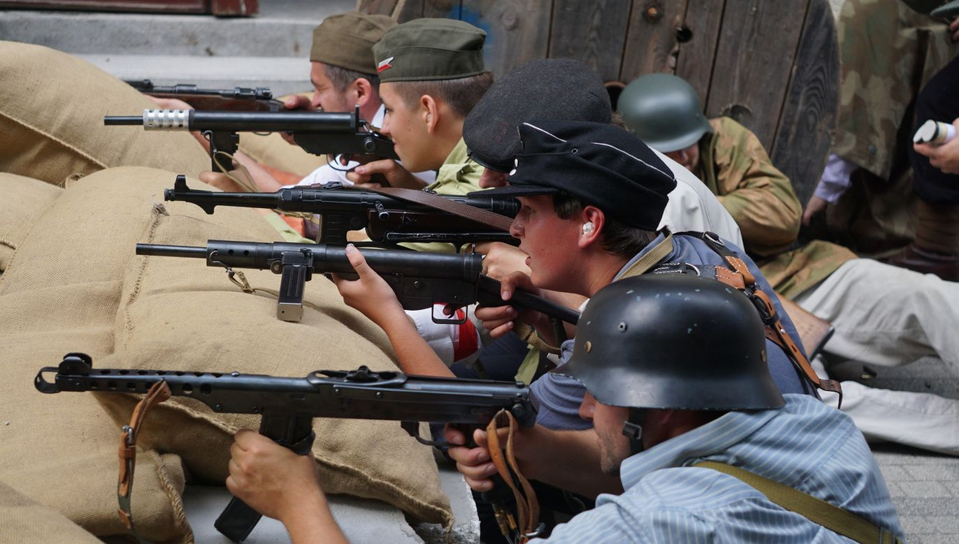 Warsaw Rising reenactment held in Budapest