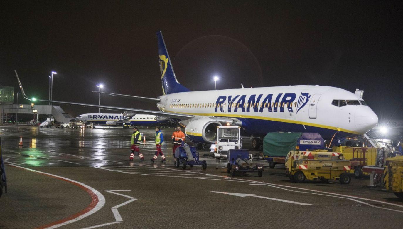 Lecący z Wiednia samolot linii Ryanair wylądował w niedzielę wieczorem na londyńskim lotnisku Stansted (zdjęcie ilustracyjne) (fot. Nicolas Economou/SOPA Images/LightRocket via Getty Images)