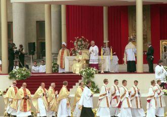 Jan Paweł II - Bóg bogaty w miłosierdzie
