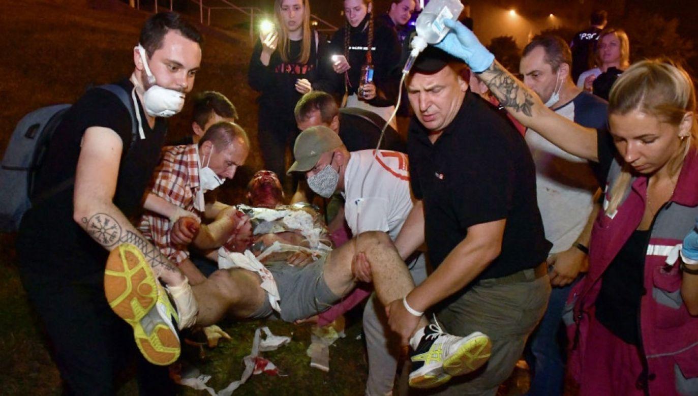 Na ulicach Mińska doszło do protestów, które zostały stłumione przez siły bezpieczeństwa (fot. Viktor Drachev\TASS via Getty Images)