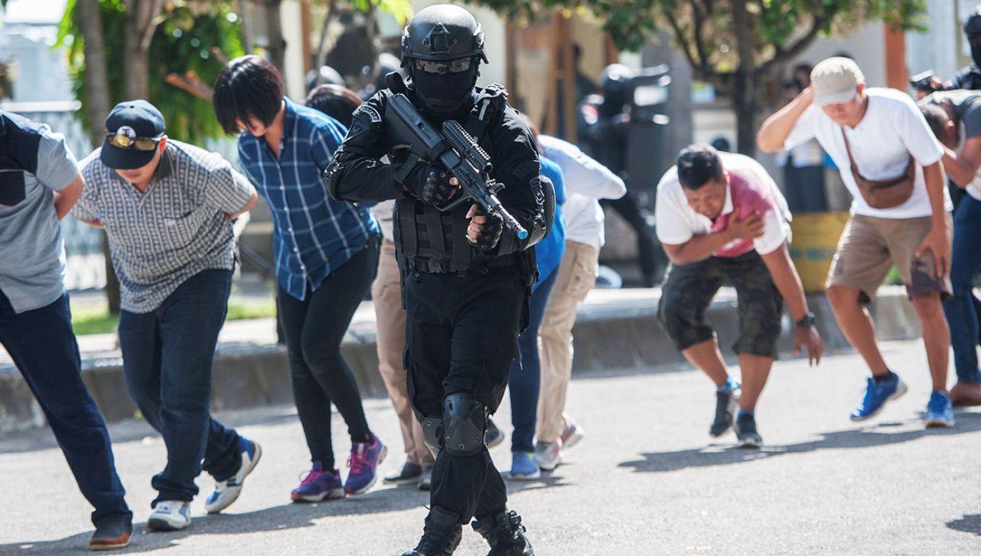 Policja nie ujawniła, na jakim etapie planowania była kobieta (fot. Antara Foto/Nyoman Budhiana/ via REUTERS)