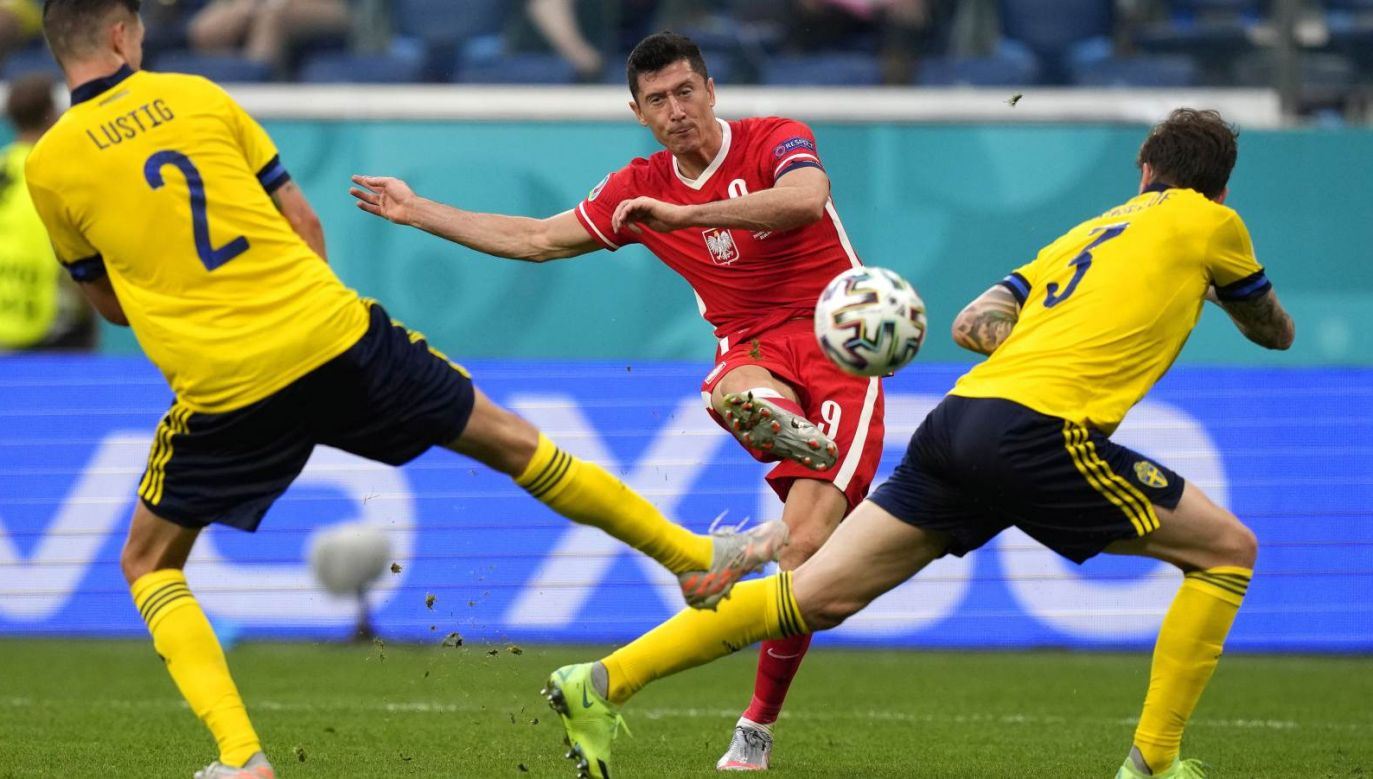 Robert Lewandowski kończy Euro 2020 z trzema golami na koncie (fot. PAP/EPA)