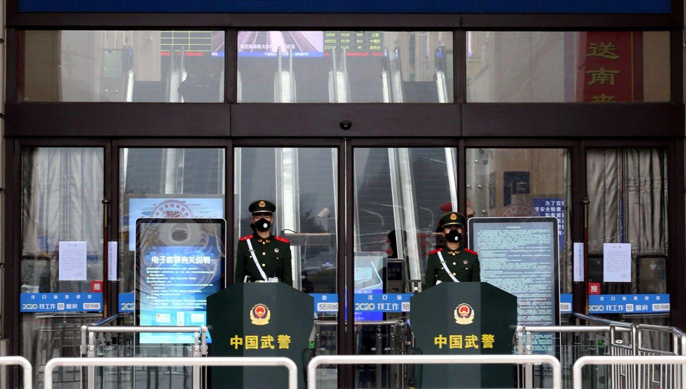 Zamknięto m. in. transport lokalny i dalekobieżny (fot. Reuters/China Daily CDIC)