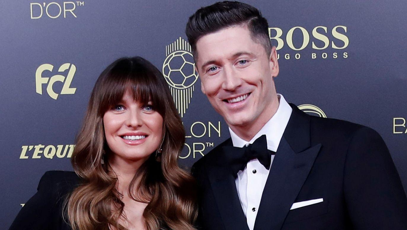 Podczas gali Złotej Piłki Robertowi Lewandowskiemu towarzyszyła żona Anna (fot.  REUTERS/Christian Hartmann)