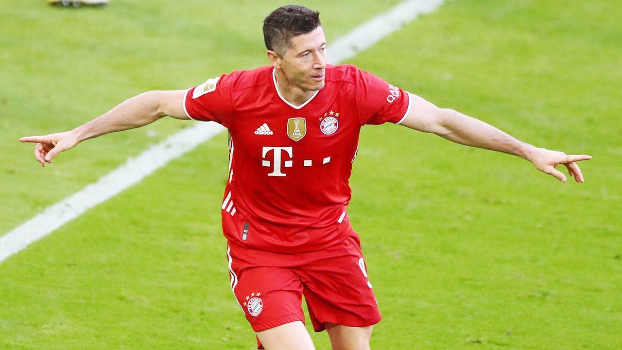 Robert Lewandowski nie zostanie sprzedany przez Bayern Monachium (fot. PAP/EPA/MATTHIAS SCHRADER / POOL)