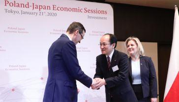 Premier Mateusz Morawiecki rozmawiał z Toru Kubo, prezesem Toshiba Carrier Corporation (fot. PAP/Leszek Szymański)