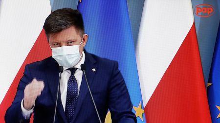 Do końca kwietnia 20 mln szczepień, będą też grupy priorytetowe (fot. PAP/Rafał Guz)