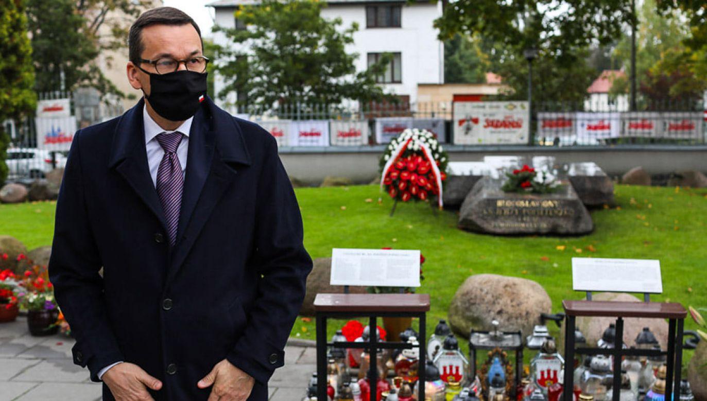 Premier złożył kwiaty na grobie bł. ks. Jerzego Popiełuszki (fot. Facebook/Mateusz Morawiecki)