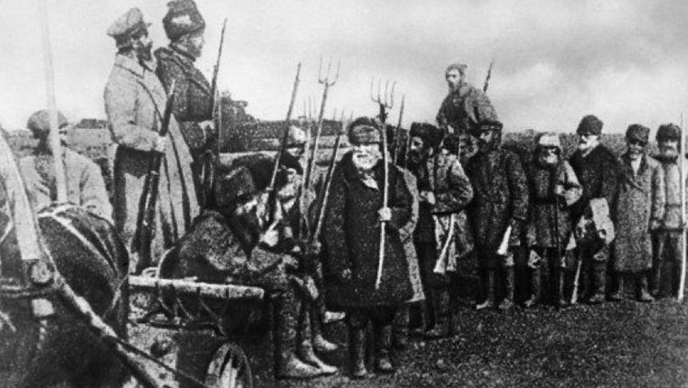 Chłopi – powstańcy tambowcy. Fot. https://openrussia.org/notes/712831/, Domena publiczna, Wikimedia Commons