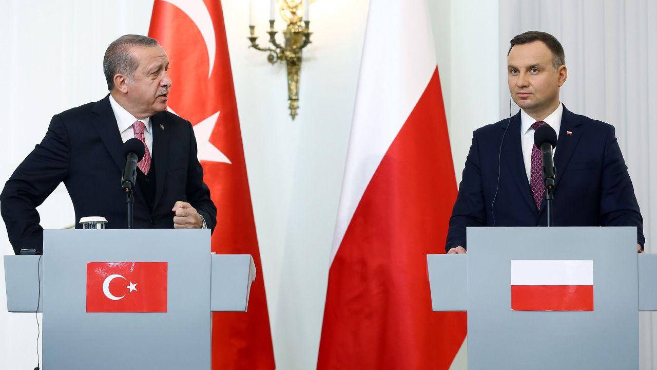 Recep Tayyip Erdogan i Andrzej Duda mają rozmawiać o planach NATO (fot. Kayhan Ozer/Anadolu Agency/Getty Images)