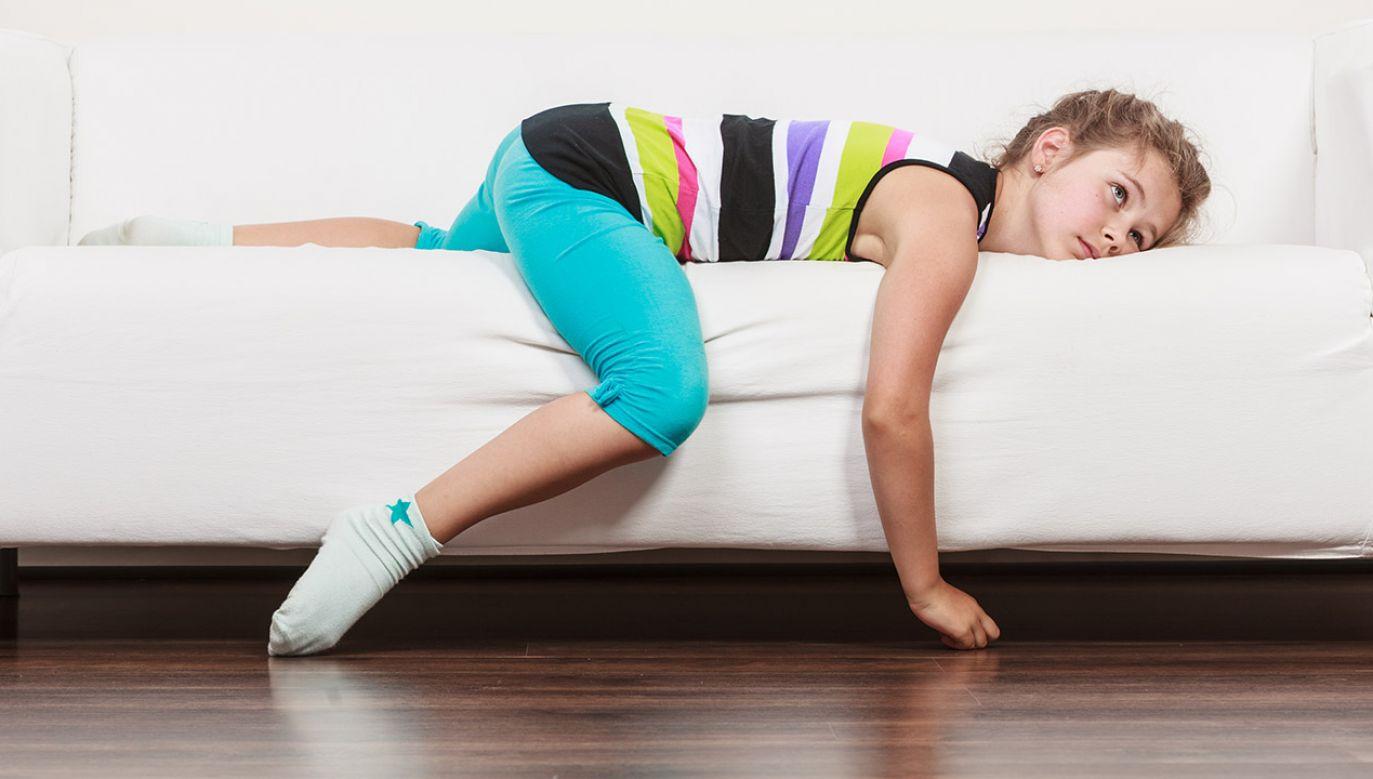 Rodzice coraz rzadziej przyzwalają na nudę (fot. Shutterstock/Voyagerix)