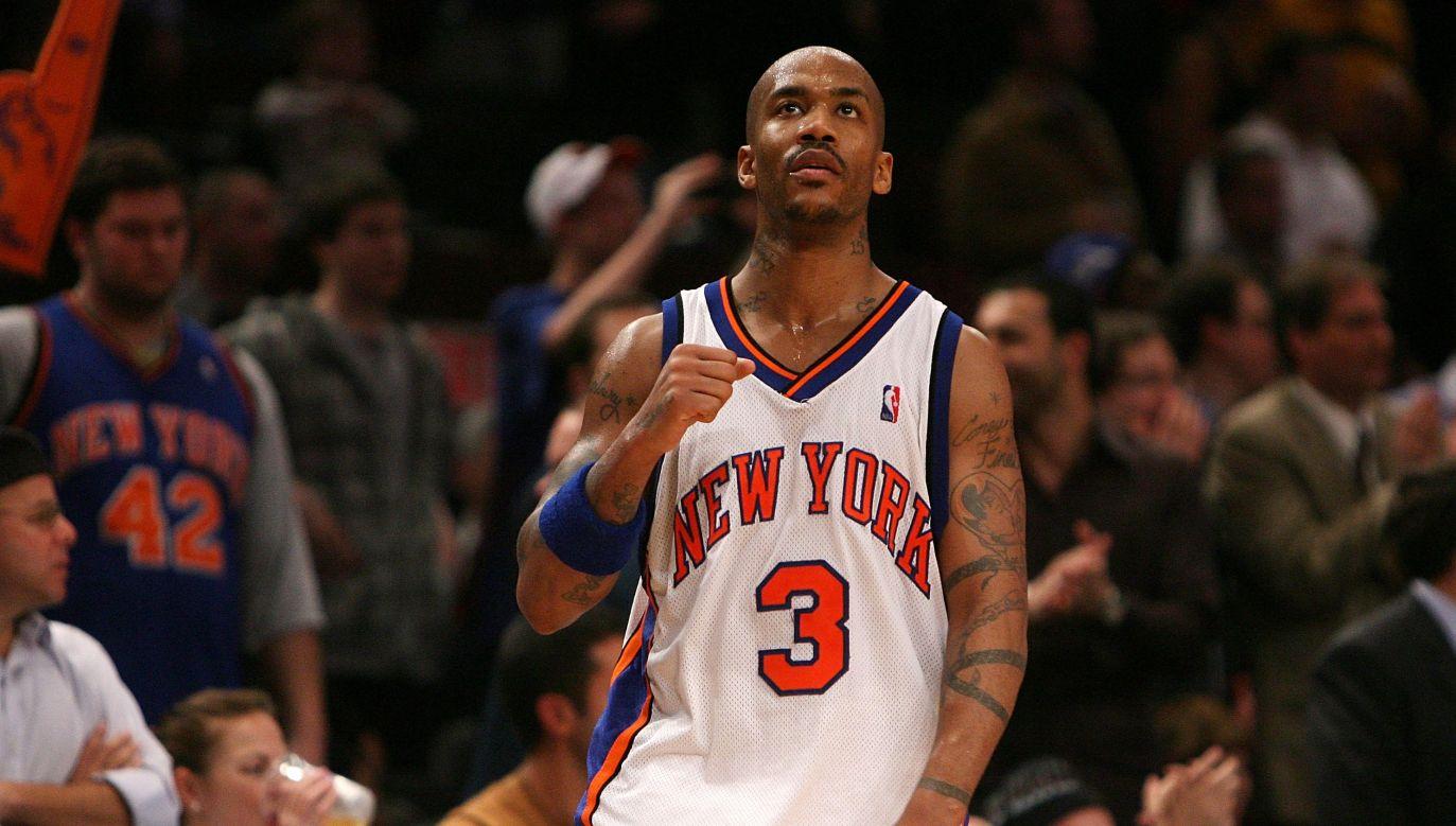 Stephon Marbury w trakcie meczu New York Knicks z Utah Jazz. Marbury występował w Knicks w latach 2004-2009 (fot. Nick Laham/Getty Images)