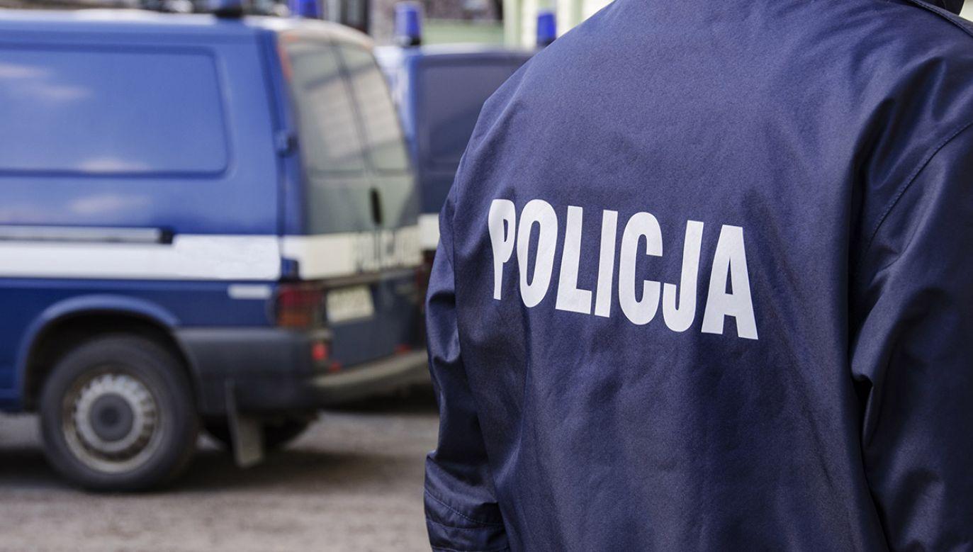 Policja na miejscu prowadzi czynności (fot.shutterstock_MonikaGruszewicz)