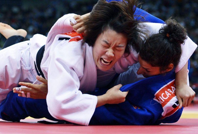 Koreanka Ye-Sul Hwang pokonała Juliane Robrę ze Szwajcarii (fot. PAP/EPA)
