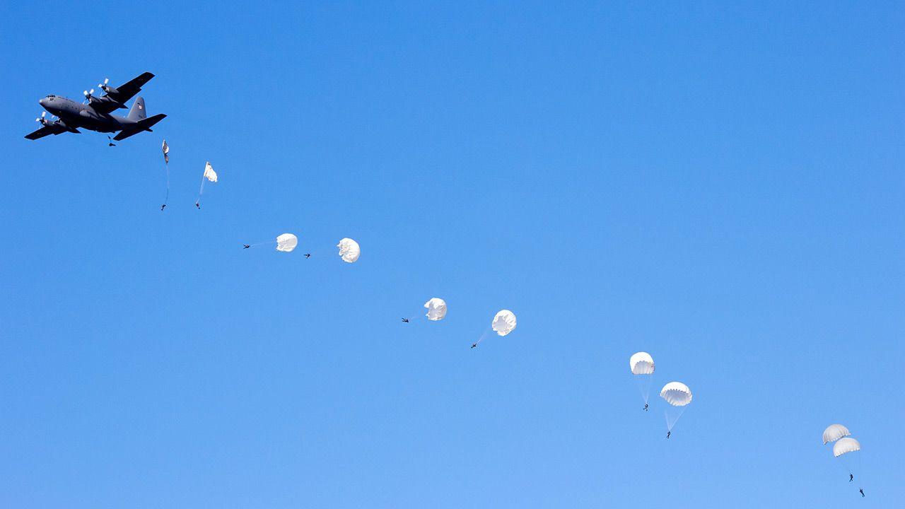W Ostrawie trwa jedna z największych imprez lotniczych i militarnych w Europie (fot. Shutterstock)