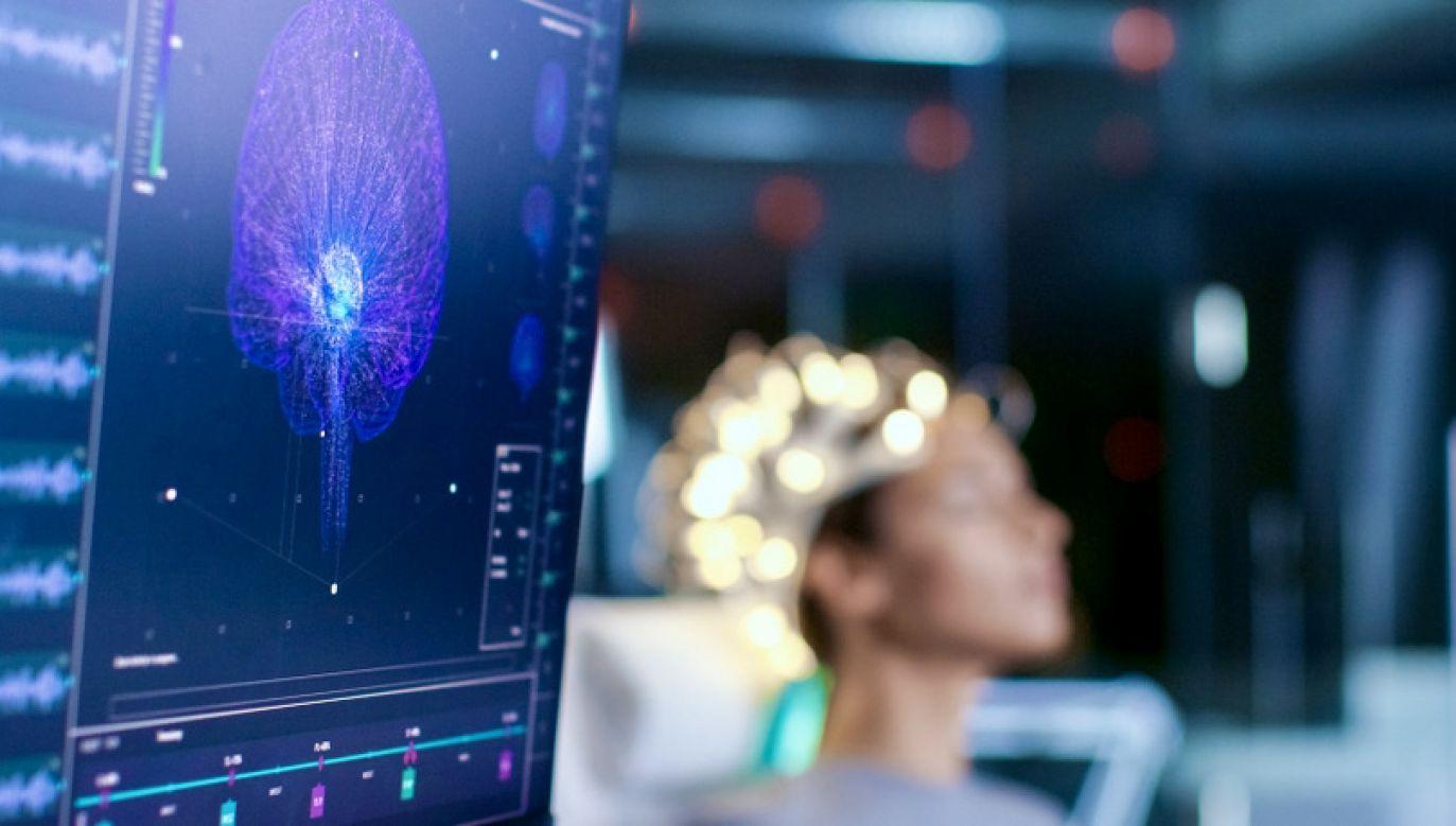 Naukowcy planują przetestować system na kolejnych osobach (fot. Shutterstock/Gorodenkoff)